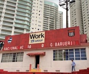Barueri é goleado por Nacional