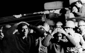 Grevistas são rendidos e presos na desocupação da Cobrasma pelo Exército
