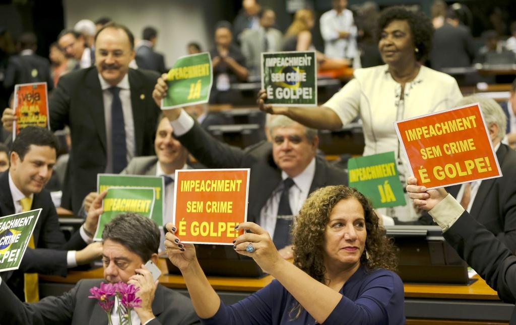 Brasília - A comissão especial que analisa denúncia contra a presidenta Dilma Rousseff vota parecer do relator Jovair Arantes, que apontou que Dilma precisa ser julgada pelo Senado por crime de responsabilidade fiscal (Marcelo Camargo/Agência Brasil)