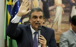 Brasília - O Advogado da AGU, José Eduardo Cardozo, durante reunião da comissão especial que analisa denúncia contra a presidenta Dilma, que vota o parecer do relator Jovair Arantes (Marcelo Camargo/Agência Brasil)