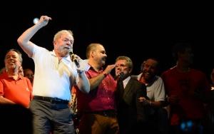 Lula participa de ato no Rio