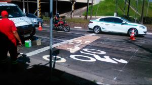 Motos no semáforo