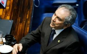 Brasília -  O Senador Raimundo Lira durante reunião em plenário para eleição da comissão que analisará a admissibilidade do pedido de impeachment de Dilma (Marcelo Camargo/Agência Brasil)