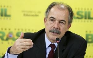 Brasília - Ministro da Educação, Aloizio Mercadante, durante entrevista coletiva sobre mudanças no Financiamento Estudantil - Fies  (Marcelo Camargo/Agência Brasil)