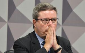 Brasília - O relator da Comissão do Impeachment no Senado, Antônio Anastasia, durante reunião para ouvir especialistas favoráveis ao afastamento da presidenta Dilma Rousseff  (Antonio Cruz/Agência Brasil)