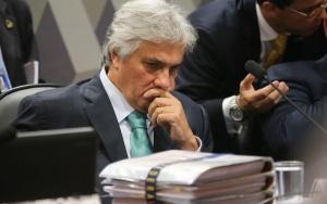 Senador Delcidio do Amaral participa de reuniao do conselho de etica do Senado
