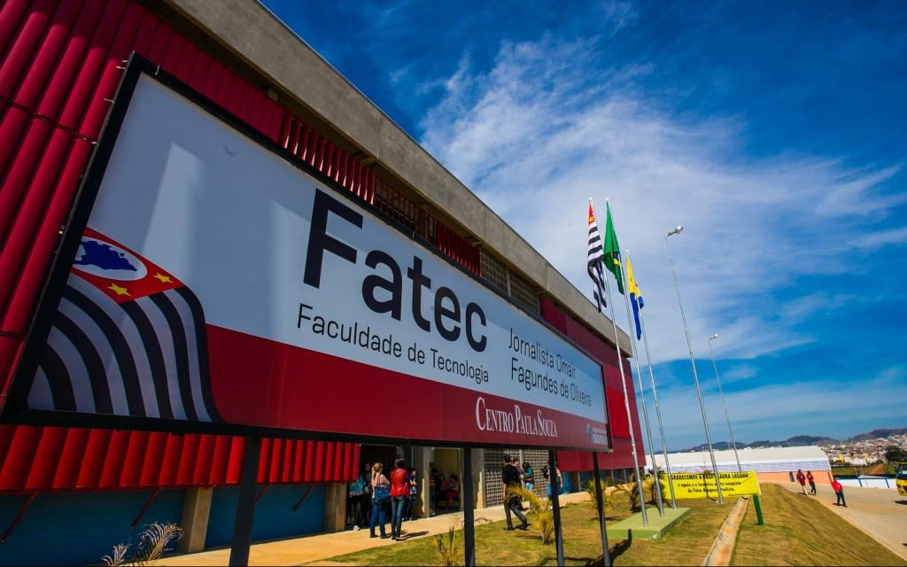 Governador Geraldo Alckmin inaugura Fatec em  Bragança Paulista.   Data: 15/05/2014. Local: Bragança Paulista/SP.  Foto: Alexandre Moreira/A2 FOTOGRAFIA