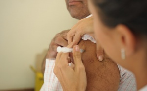 20/05/2015-Vacinação contra a gripe terminará na sexta-feira (22)  Asa Sul, Brasília, DF, Brasil 20/5/2015 Foto: Pedro Ventura/ Agência Brasília