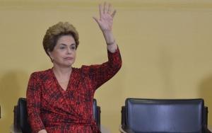 Brasília - A presidente Dilma Rousseff, durante a cerimônia do anuncio da criação de cinco novas universidades no Palácio do Planalto (Antonio Cruz/ Agência Brasil)