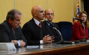 Ministro fala contra violencia