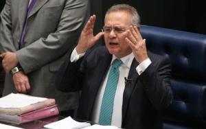 Brasília - Presidente do Senado, Renan Calheiros, durante votação no plenário da indicação do nome do economista Ilan Goldfajn para a presidência do Banco Central (Fabio Rodrigues Pozzebom/Agência Brasil)