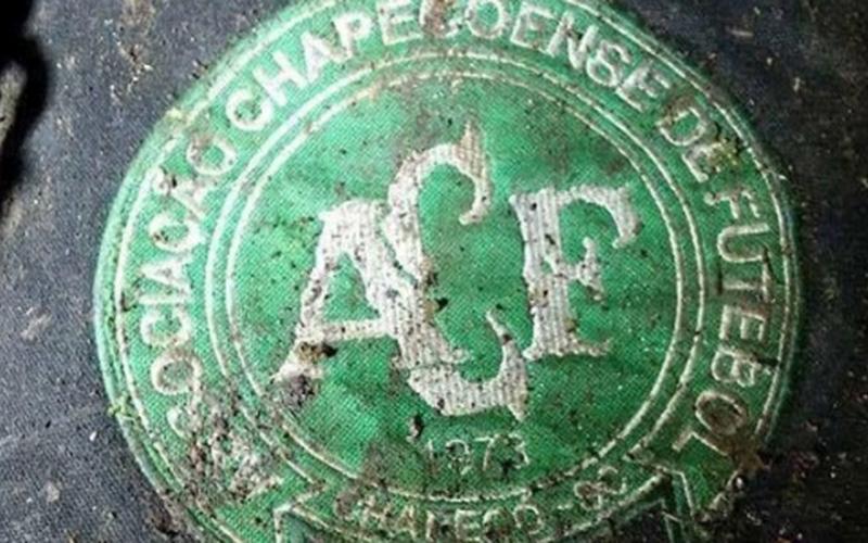 Luto No Futebol 76 Mortos Em Avião Da Chapecoense Portal Região Oeste