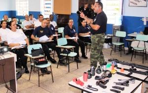 Guarda Civil Armas não letais