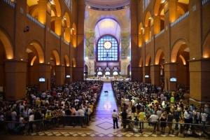 Aparecida (SP) - Missa de Nossa Senhora Aparecida no Santuário Nacional no dia da Padroeira do Brasil (Rovena Rosa/Agência Brasil)