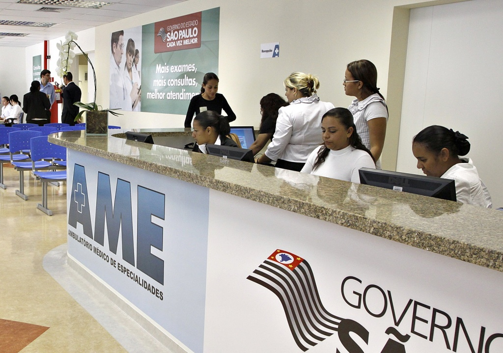 O governador JosŽ Serra entrega AME (Ambulatório Médico de Especialidades) em  Itapevi. Data: 16/03/2010 Local: São Paulo/SP Foto: Ciete Silvério/Governo do Estado de SP