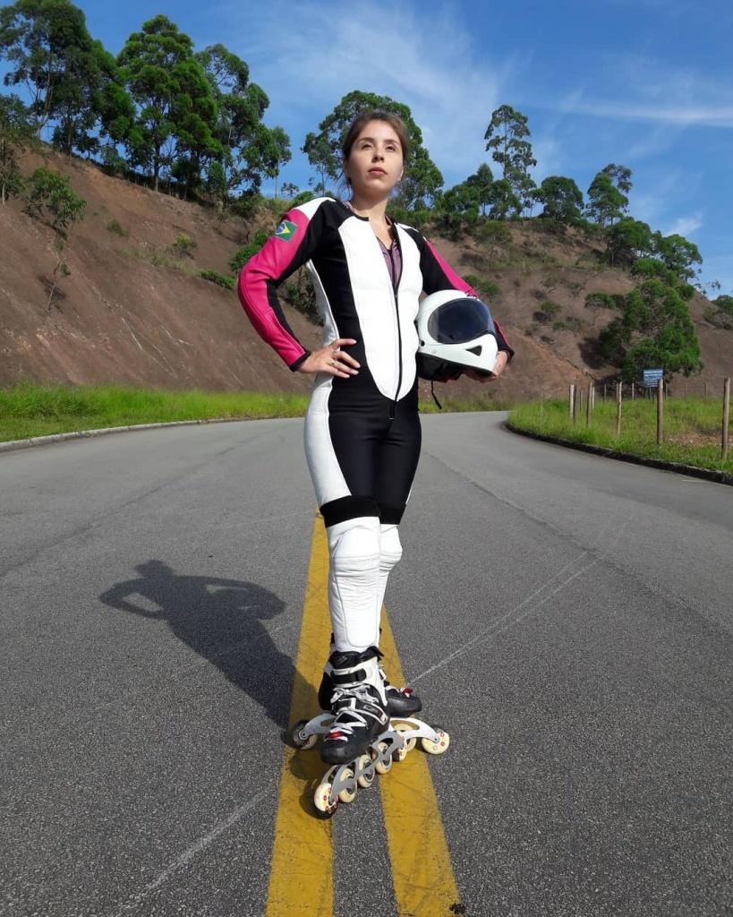 Camila patins 2