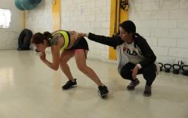 Camila treina forte para o mundial de patins Downhill na Espanha, mas ainda faltam patrocinadores