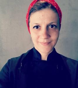 Janine Poltronieri está no ramo alimentício há dez anos e há 3 tem cardápio vegano. Plano é trabalhar só com comida vegana a partir de 2020, no Bastiana Comida Afetiva e Vegana, da qual é proprietária