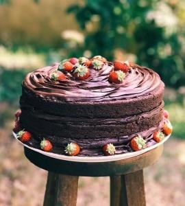 O Naked Cake de Chocolate do Bastiana Comida Afetiva e VeganO Naked Cake de Chocolate do Bastiana Comida Afetiva e Vegana